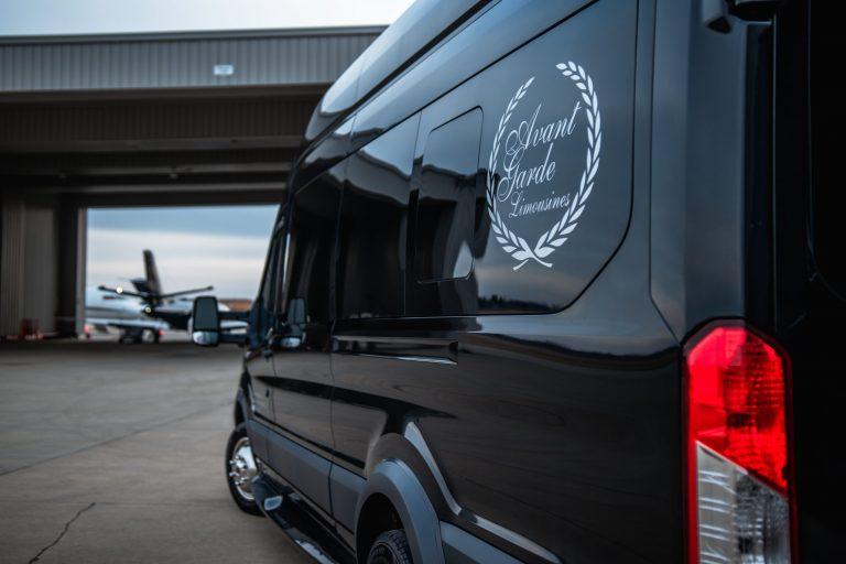 Avant Garde Limousines Executive Mini Coach Outside Picture