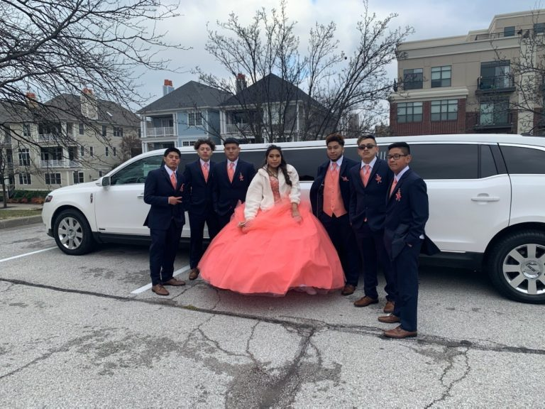Quinceanera Group Side of Lincoln MKT Limo for Avant Garde Limousines